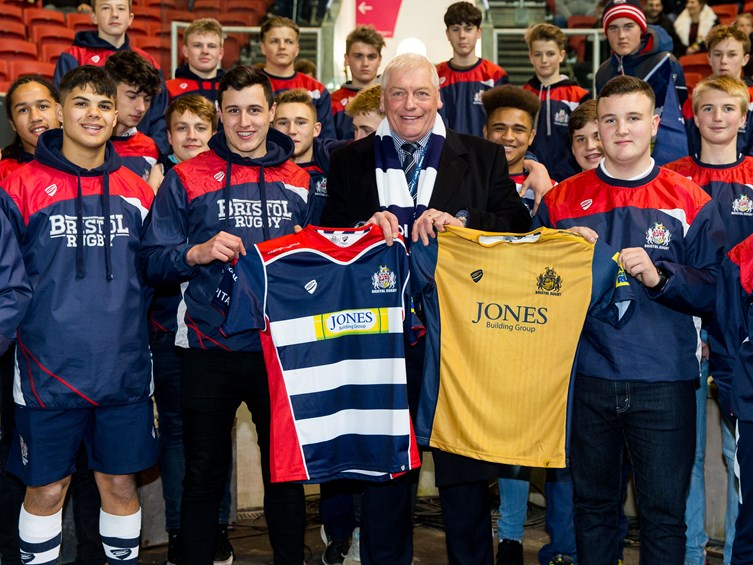 Academy Youngsters Presented With Tour Shirts